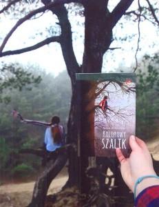 fot z książką.jpg na stronę